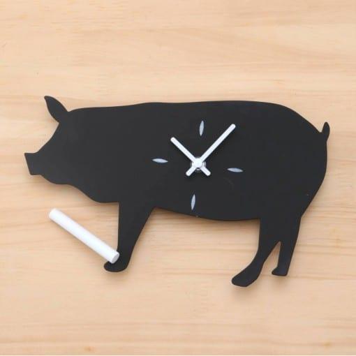 ブタ黒板時計