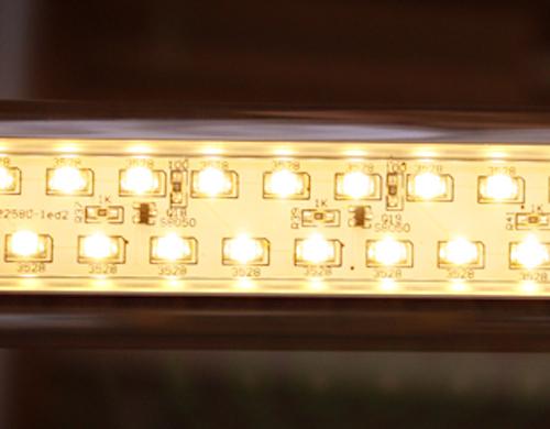 プエブコ LED ストライダー