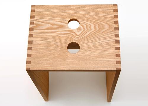 タモ無垢材のスツール 座面