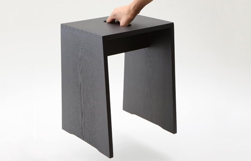タモ無垢材のスツール ブラック
