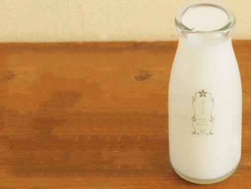 牛乳瓶に入った消臭芳香剤