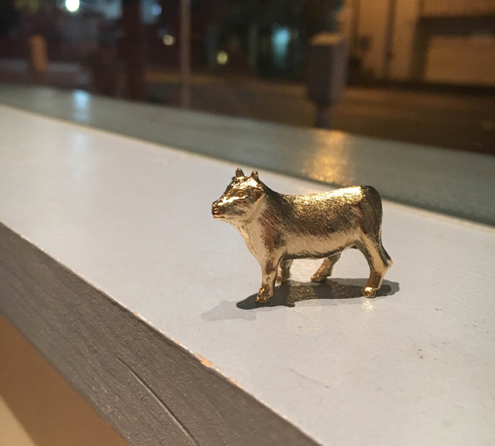comyplanet 動物箸置き 金の牛