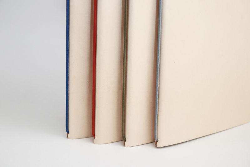 裏紙ノートのゴムのカラー