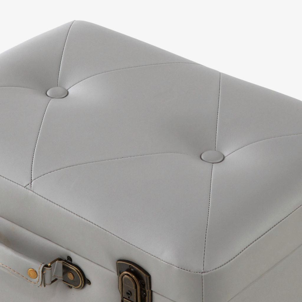 トランク型脚付き収納スツール
