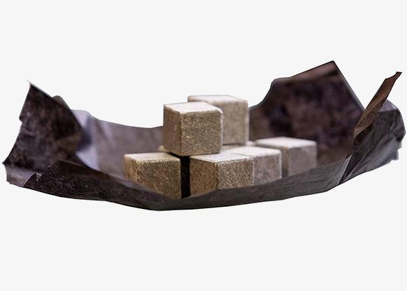 石のアイスキューブ ON THE ROCKS
