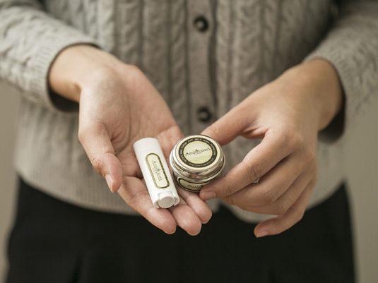 MARIACREMA(マリアクレマ)Sサイズ缶と携帯用リップチューブ