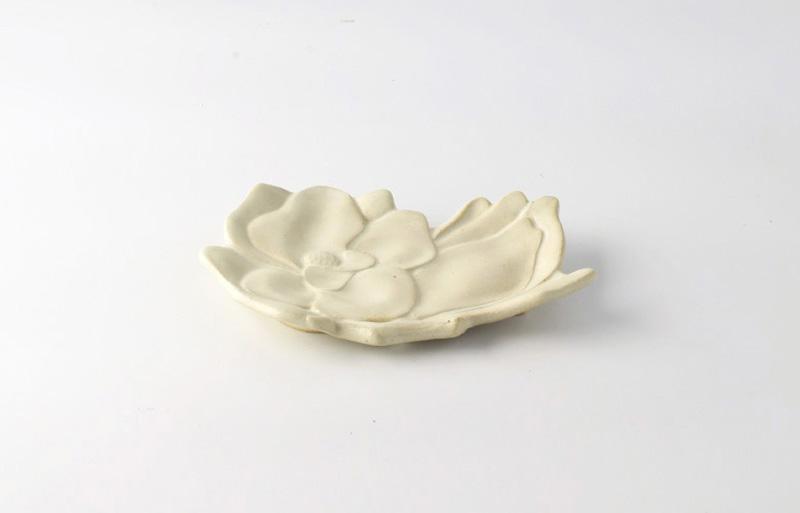 木蓮の菓子皿 STUDIO M'(スタジオ エム)MAGNOLIA(マグノリア)銘々皿